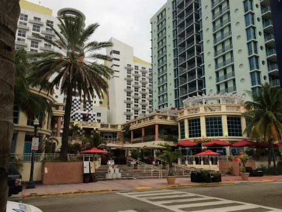 Hotels Near Miami Beach Boardwalk