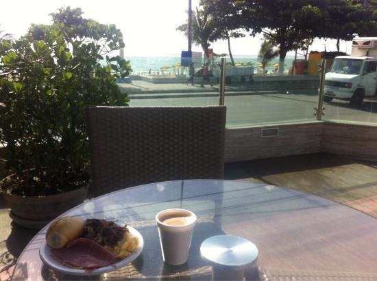 Hotel Barramares: Desayuno con vista al mar