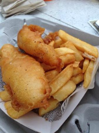 Yorkshire County Fish Shop: Fresh-fried and delicious.