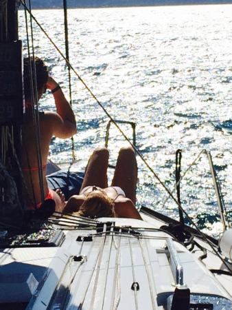 Toto Travel - Day Tours: Sailing