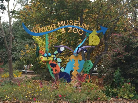 ‪Junior Museum & Zoo‬