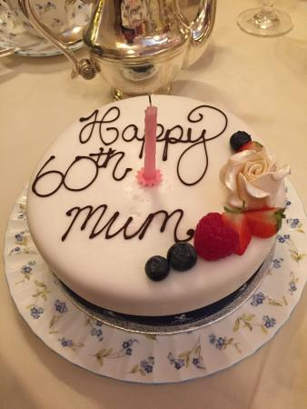 Strange Cake For Mums 60Th Birthday Tasted Amazing Picture Of Palm Funny Birthday Cards Online Alyptdamsfinfo
