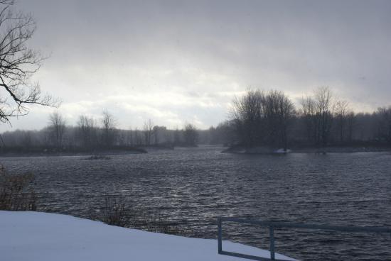 Clarkson Inn: river