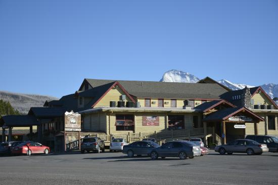 Esterno albergo picture of st mary lodge resort saint for St mary lodge and cabins
