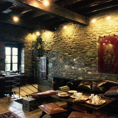 Palio Eleotrivio Guesthouse: Main Hall 1