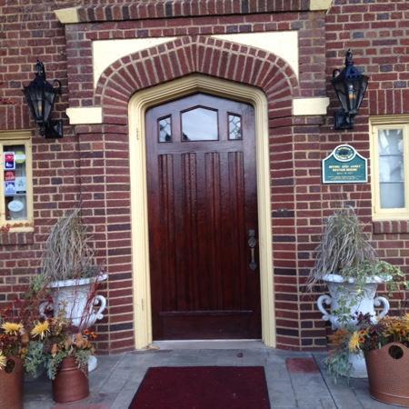 entrance to The English Inn