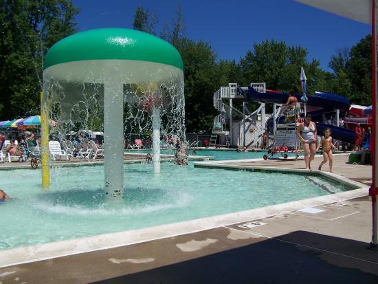 Northumberland, Pensilvania: Pool and water slides