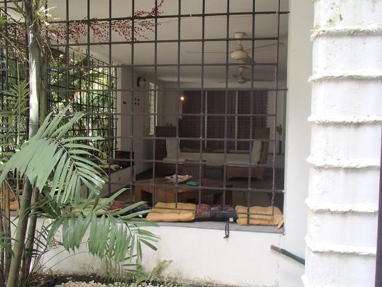 Hostal Entre 2 Aguas: Open space to relax outdoors