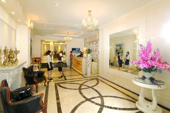 New Era Hotel & Villa