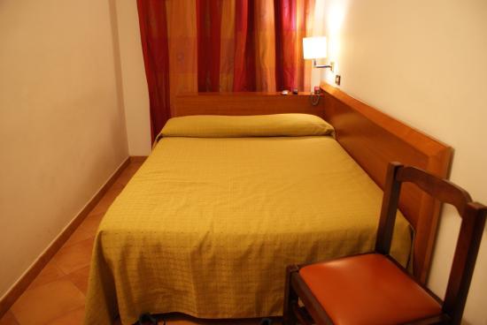 Hotel Gea di Vulcano : Habitación sencilla