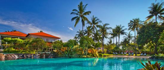 The Laguna, a Luxury Collection Resort & Spa: Extensive Lagoon
