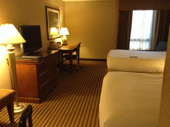 Radisson Hotel Philadelphia Northeast : ベージュを基調とした落ちついた雰囲気