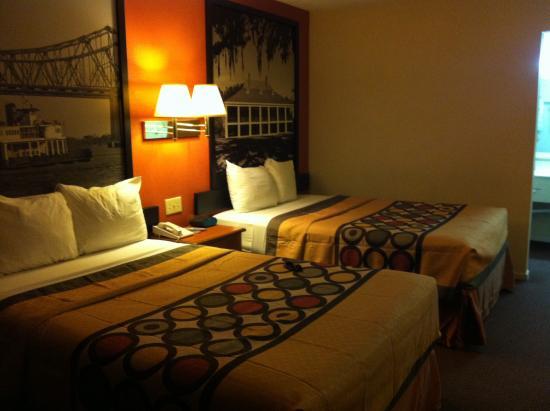 Super 8 New Orleans: Zimmer