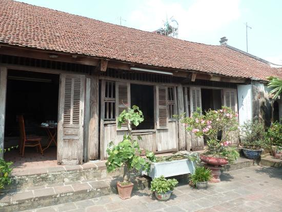 Une vieille maison foto di duong lam ancient village hanoi tripadvisor - Rever d une vieille maison ...