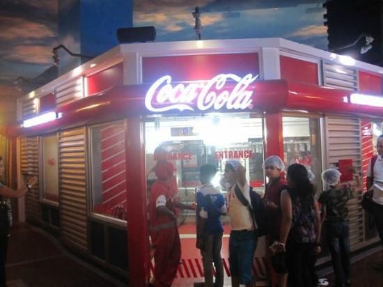 KidZania Mumbai: Make some coke at the Coca Cola factory