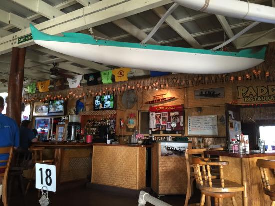 Paddlers Restaurant and Bar: Inside