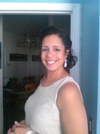 Golden Palms Inn & Suites: Jennicel Bolaños