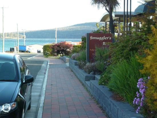Smugglers Rest : Waterfront location