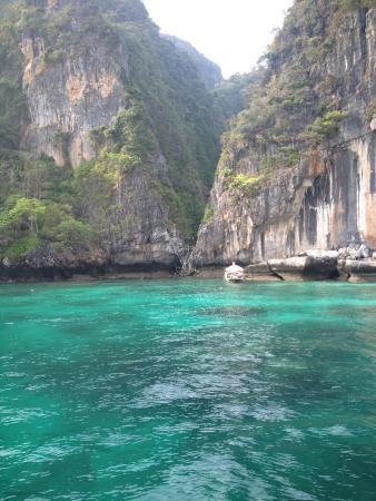 Sunset Cruise and Plankton Tour by Maya Bay Tours : Beautiful water!