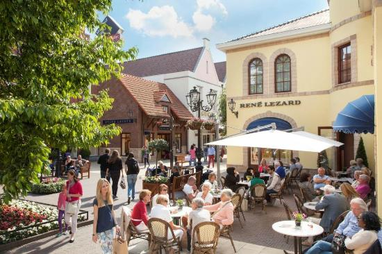 Designer outlet roermond the netherlands top tips for Design on line outlet