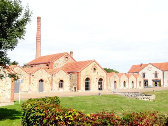 Musee Textile de Cholet et de la Mode
