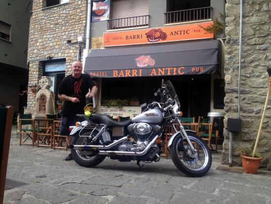 Barri Antic Hostal & Pub