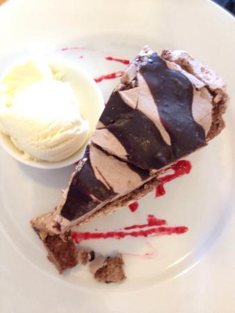 Tarrington, Australia: Chocolate pavlova