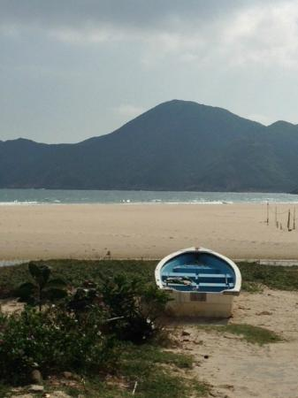 Walk Hong Kong: Deserted Beaches