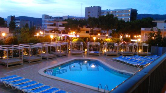 Lively Magaluf Hotel: view of pool from our room was so lovely!