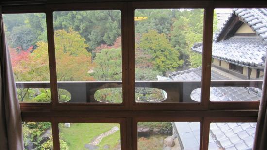 Umenoya: 美しい庭の眺め