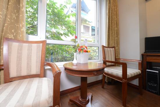 Golden Legend Hotel: Window view