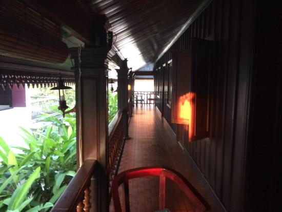 Villa Meuang Lao: upper hallway