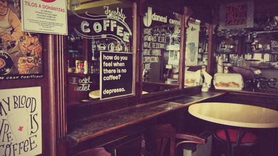 Kicsi ír kávézó