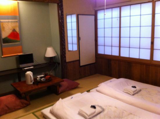 Ryokan Sawanoya: Ambiente tradicional japonés, amabilidad por parte de todos. Una estancia genial!