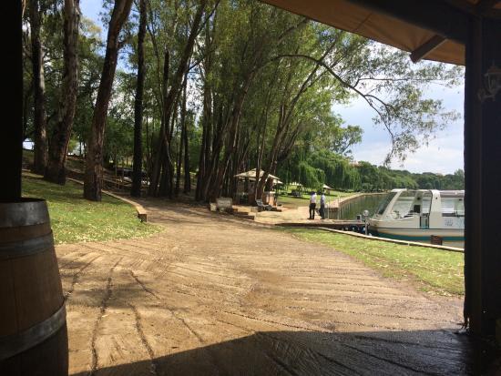Restaurant pont de val riverside escape - Lazy Boat Ride After Lunch Picture Of Pont De Val