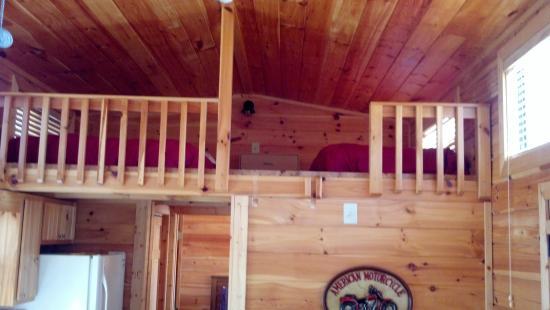 Copperhead Lodge: loft area