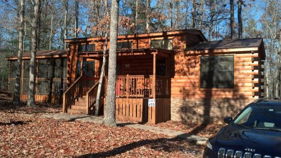 Copperhead Lodge: outside