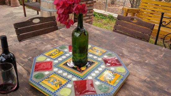 Lechuza Vineyard: Colorful Tiled Mexican Tables