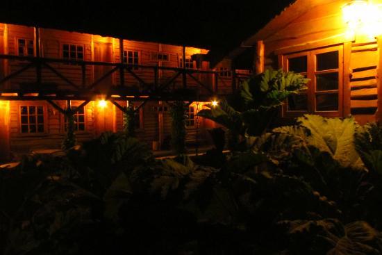 Hotel El Barranco: Patio interior, al fondo las habitaciones