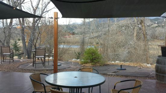 Twisted Cork Cafe: Wind and snow kept us inside, but we still enjoyed the view.