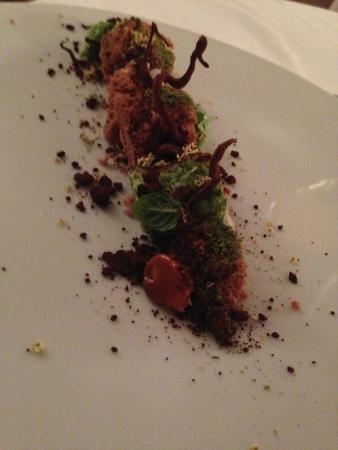 cucina cereda dessert con cioccolato menta e fiori