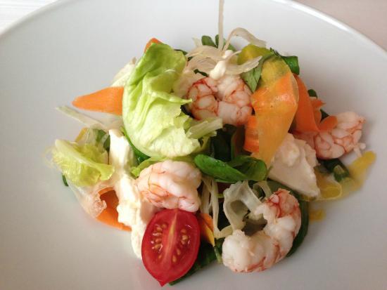 cucina cereda insalata con gamberi e burratina piatto unico pranzo
