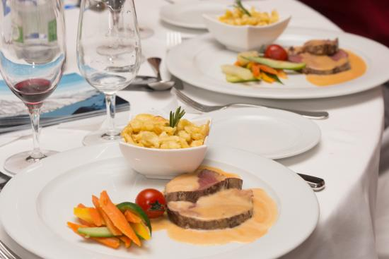 Hotel Jean-Jacques Rousseau : Medaillons vom Rindsfilet