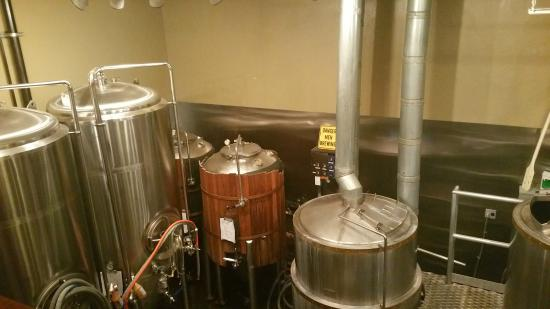 Kern River Brewing Company : The brewing kettles