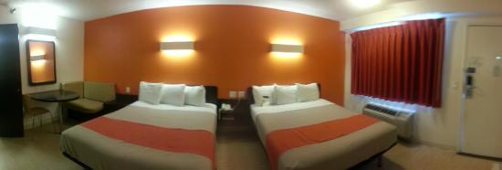 Motel 6 Anaheim Maingate: Quartos amplos