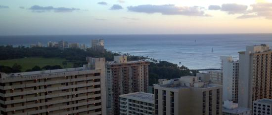Aston at the Waikiki Banyan: Ocean view from Banyan balcony