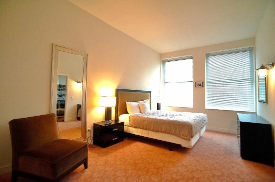2 Bedroom Suites Picture Of Pittsfield Apartments Suites Chicago Tripadvisor