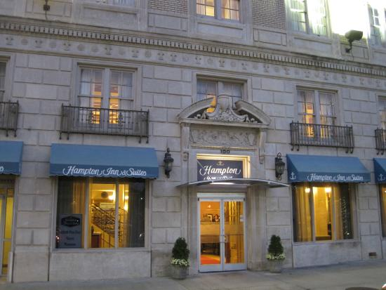 Hampton Inn & Suites Montgomery-Downtown: Front entrance MAR2014