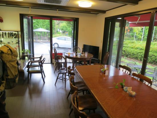 Den's Inn : living room & cafe
