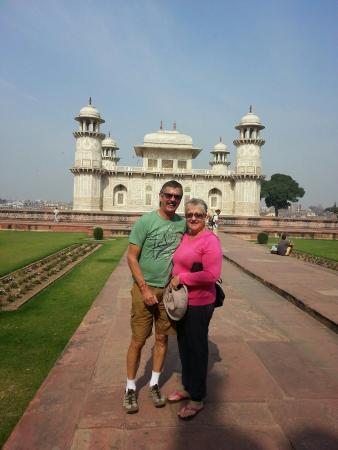 India Agra Travels - Day Tours: Christian at Baby Taj